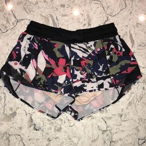 Lululemon Hotty Hot Shorts, SIZE: 4